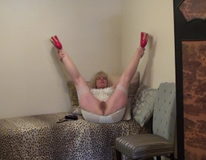 stocking-videos-dirty-granny-in-stockings