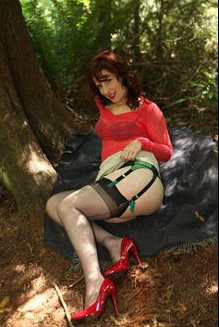 stocking-videos-sexy-mature-in-nylon-stockings-outdoor