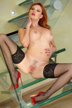 tarra-nude-free-pics-17