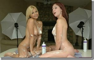 teen-gfs-making-out-soft-with-cream