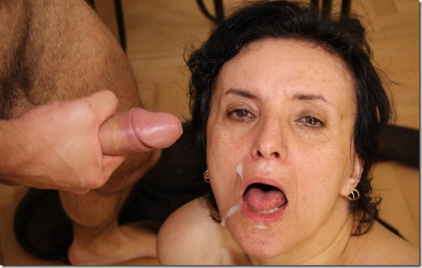 tourists-take-cum-in-granny-bet