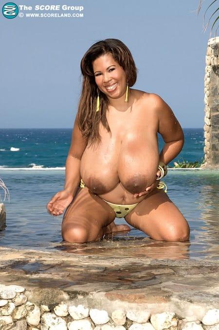 vanessa-del-Nature-Knows-Breast