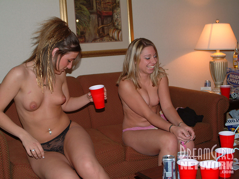 wdgirls-wild-party-chicks-flashing-their-tits
