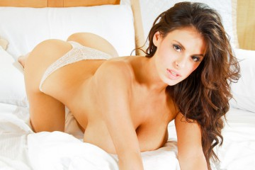 wendy-fiore-naughty-in-the-bed