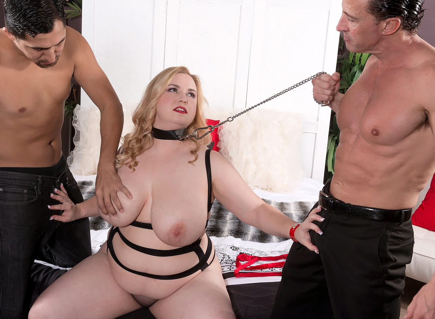 xl-girls-nikky-wilder-gets-hammered-from-both-ends