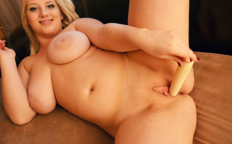 young-fatties BBW-blonde-enormous-dildo-768x477